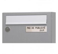 """Plaque """"PAS DE PUBLICITE - SVP"""" - Fond argent, texte gravé noir"""