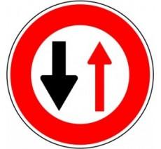 """Kit ou panneau seul type routier """"Cédez le passage à la circulation venant en sens inverse"""" ref: B15"""