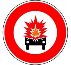 """Kit ou panneau seul type routier """"Accès interdit aux véhicules transportant des marchandises inflammables"""" ref: B18a"""