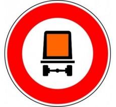 """Kit ou panneau seul type routier """"Accès interdit aux véhicules transportant des marchandises dangereuses"""" ref: B18c"""