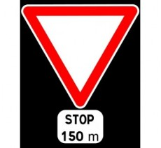 """Kit ou Panneau type routier """"Cédez le passage - stop à 150m""""  ref:AB5"""