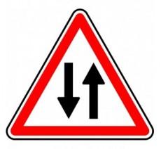 """Panneau ou kit type routier  """"Circulation dans les 2 sens""""  ref:A18"""