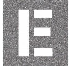 """Pochoir en bois de la lettre """"E"""""""