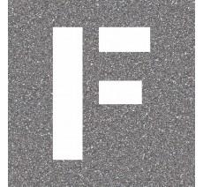 """Pochoir en bois de la lettre """"F"""""""