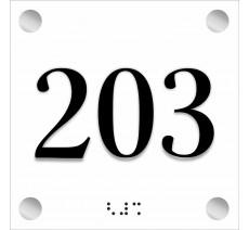 Numéro de porte avec relief et braille, plusieurs couleurs